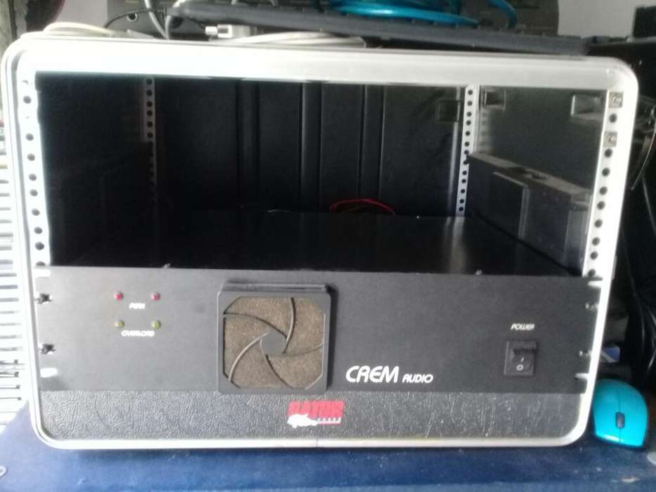 Rack Anvil Gator 6u con Ruedas