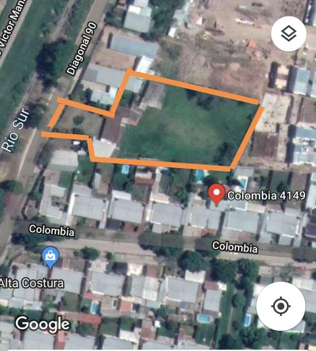 Terreno 3280 m2, con área contruida. 3814018424