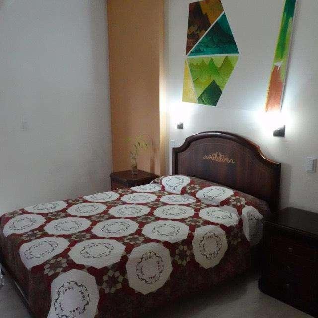 Habitación para mujer amoblada baño privado CONOCOTO - VALLE DE LOS CHILLOS