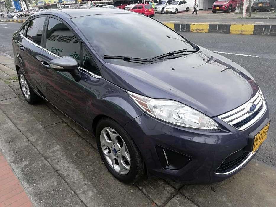 Ford Fiesta  2012 - 88000 km