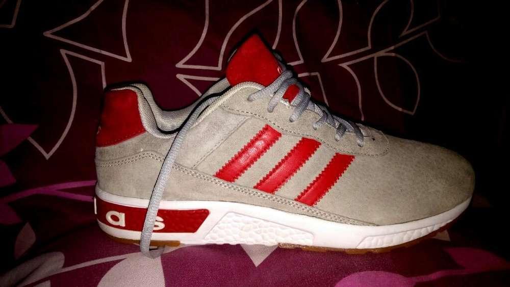 Zapatos Adidas Nuevos Talla 9 Americano