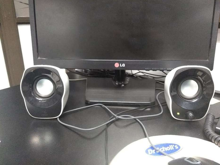<strong>parlantes</strong> Logitech Z120