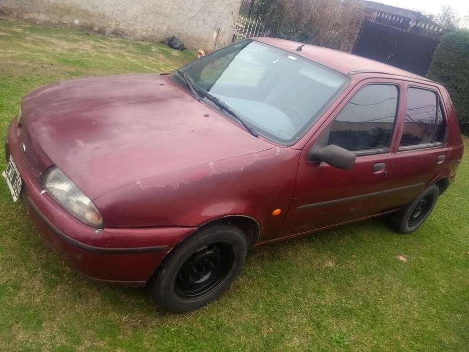 Ford Fiesta  1999 - 180000 km