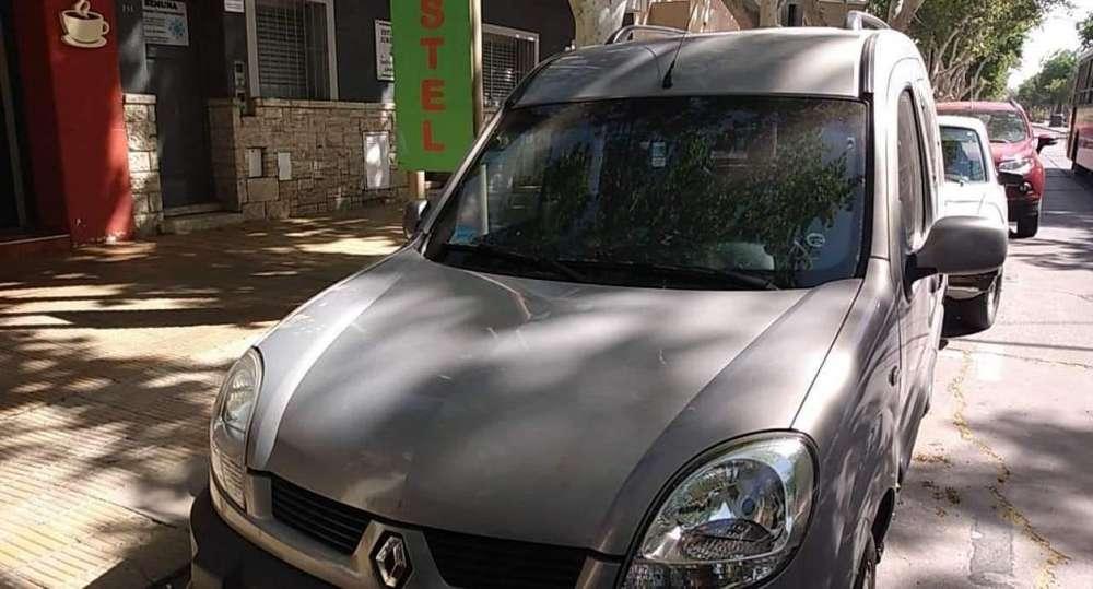 Renault Kangoo  2009 - 0 km