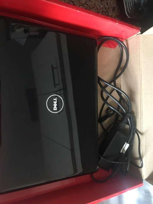 Notebook Dell Inspiron 1440 con Windows 7
