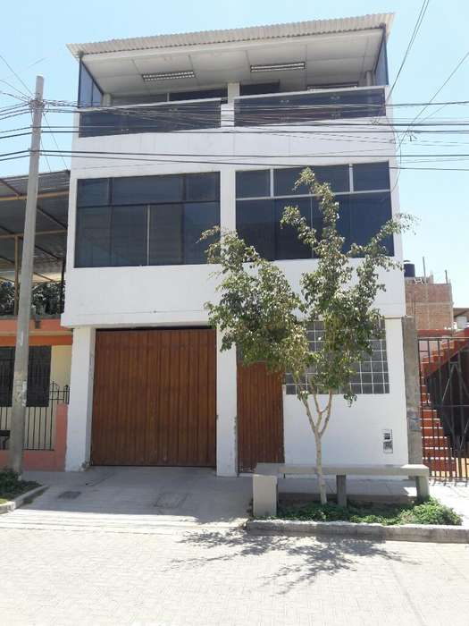 Vendo Linda Casa en Urb. Ignacio Merino