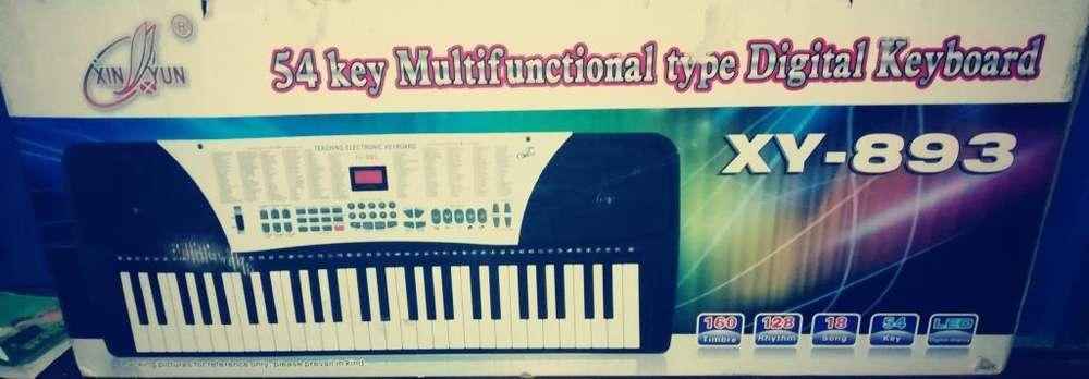 se vende teclado electronico xy-893