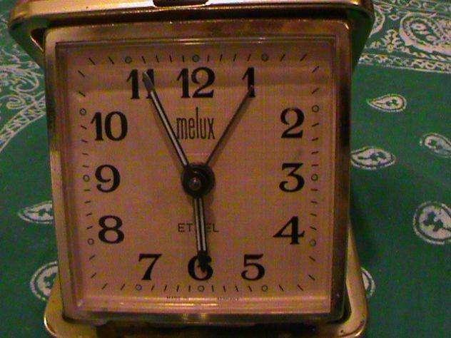 reloj despertador antiguo de cuerda de coleccion