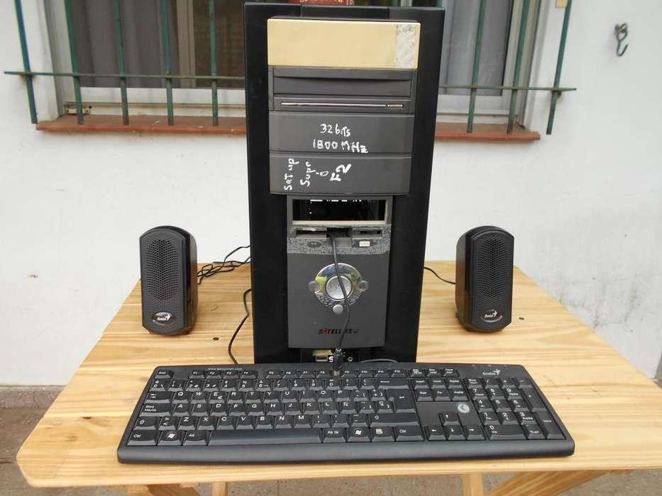 Computadora de escritorio 2 RAM 500 gigabite ASROCK
