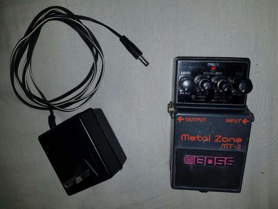 Pedal Analógico Boss Metal Zone Mt-2