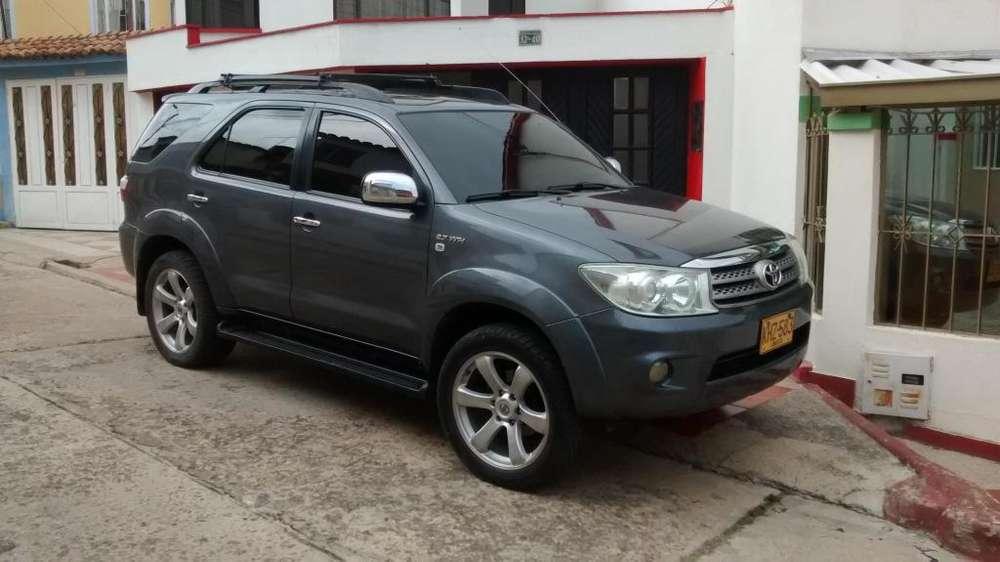 Toyota Fortuner 2011 - 94000 km
