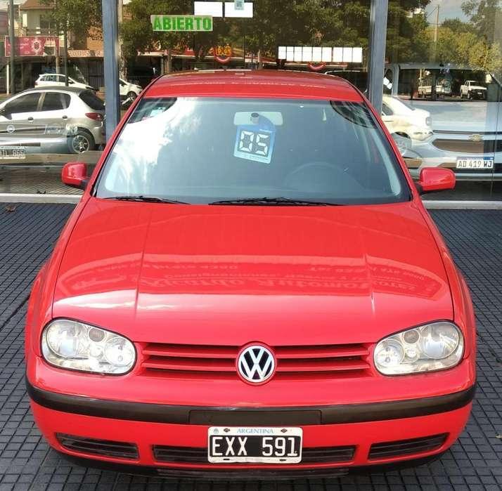 Volkswagen Golf 2005 - 210000 km