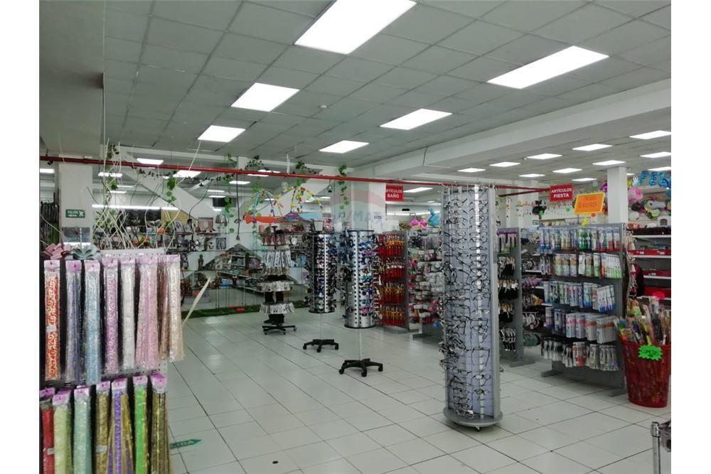 Venta centro comercial en Villaflora Avenida Maldonado