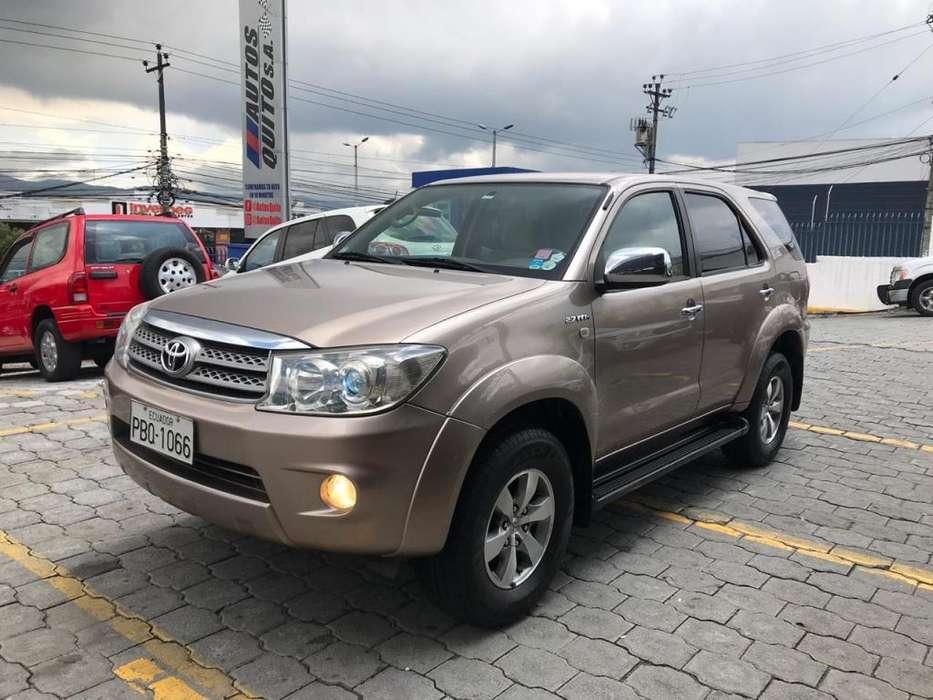 Toyota Fortuner 2011 - 130000 km