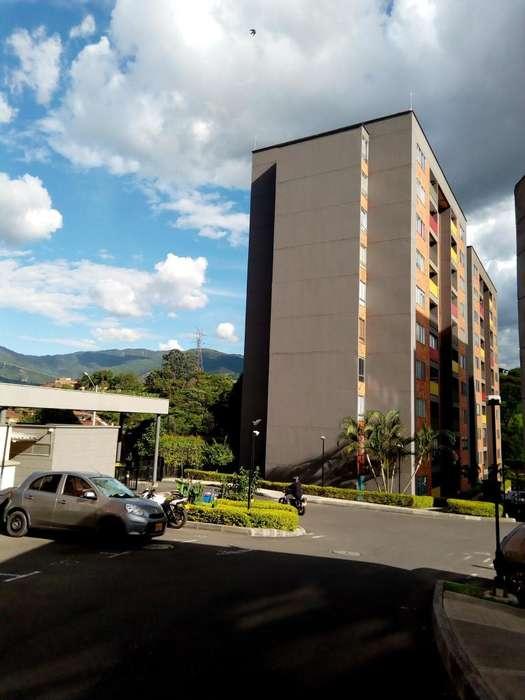 Arriendo Primer piso Unidad Colina Verde Itagüi