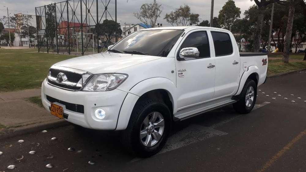 Toyota Hilux 2011 - 84000 km