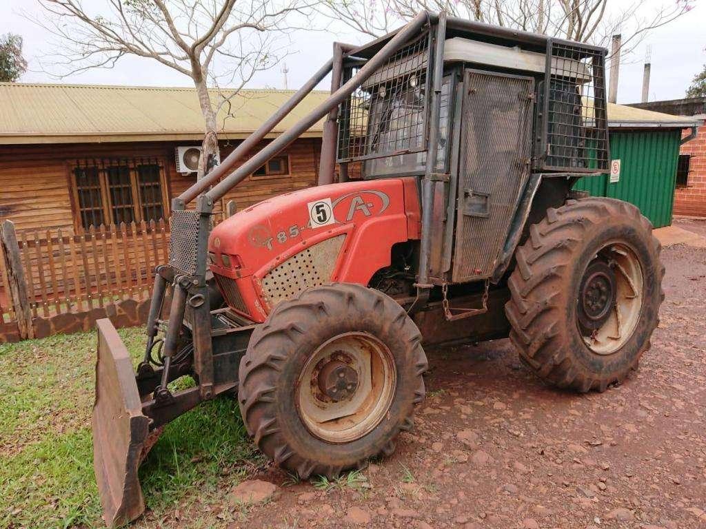 Tractor Agrinar T85 en excelente estado