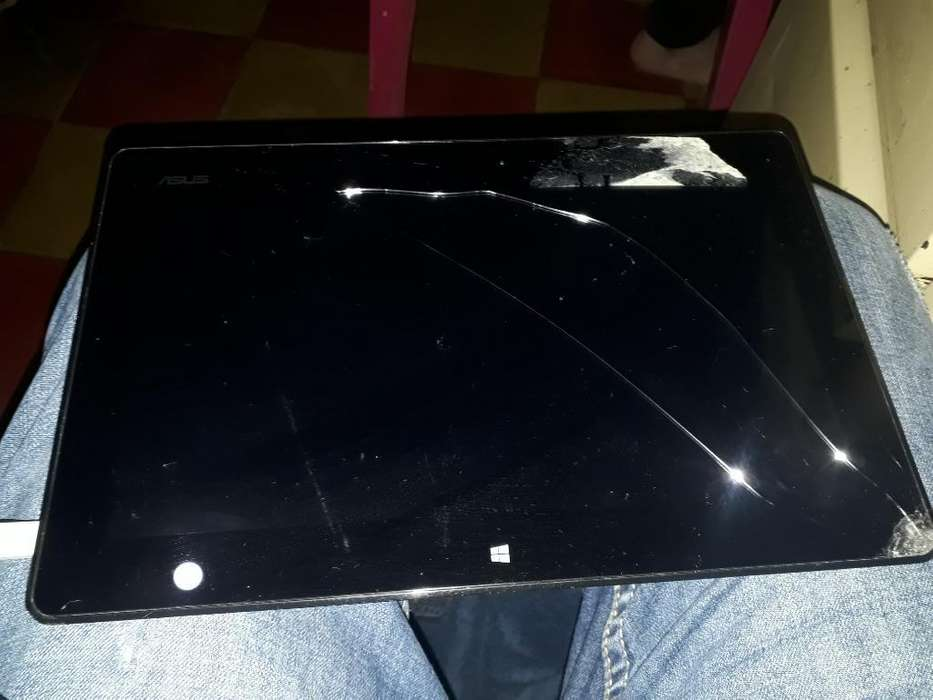 Vendo Tablet Asus Windows 8