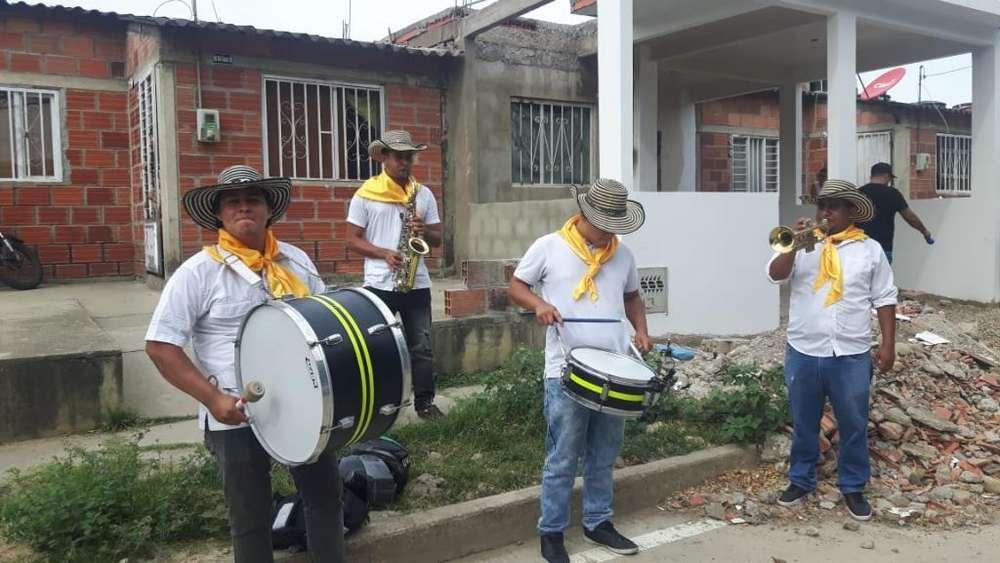 Tamboras Y Banda Papayera