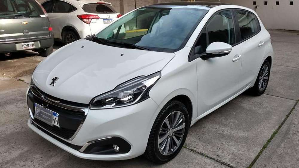 <strong>peugeot</strong> 208 2017 - 18000 km