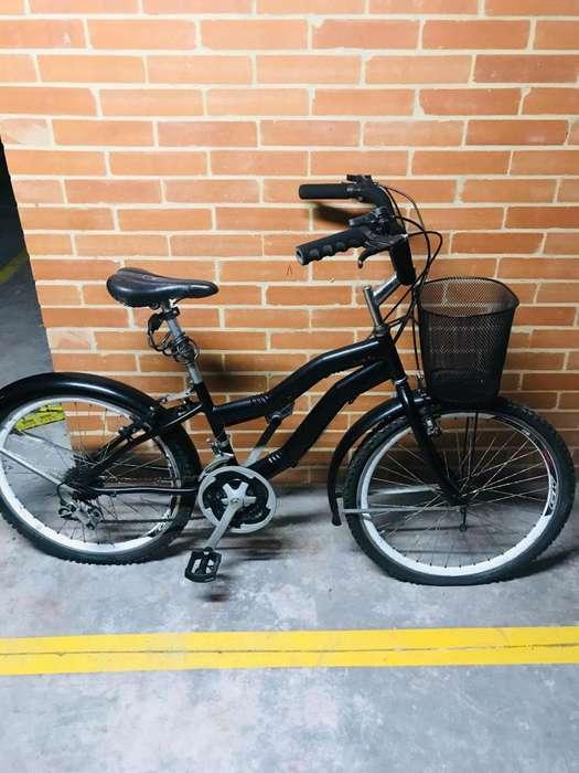 Vendo bicicleta playera negra
