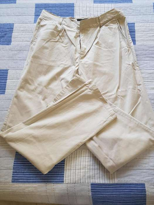 PANTALON BEIGE KEVINGSTON USADO, IMPECABLE, SIN DETALLES TALLE 42.