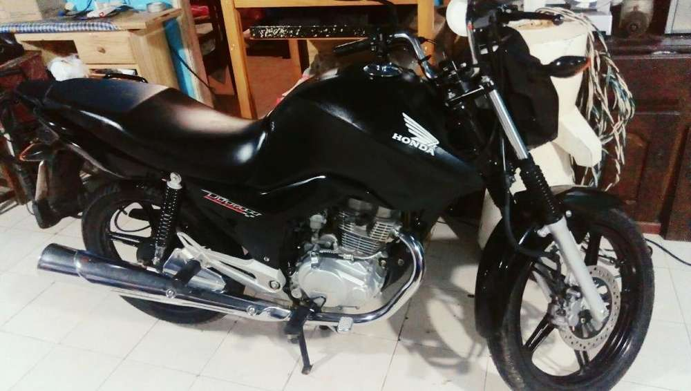 Vendo <strong>honda</strong> New Titan