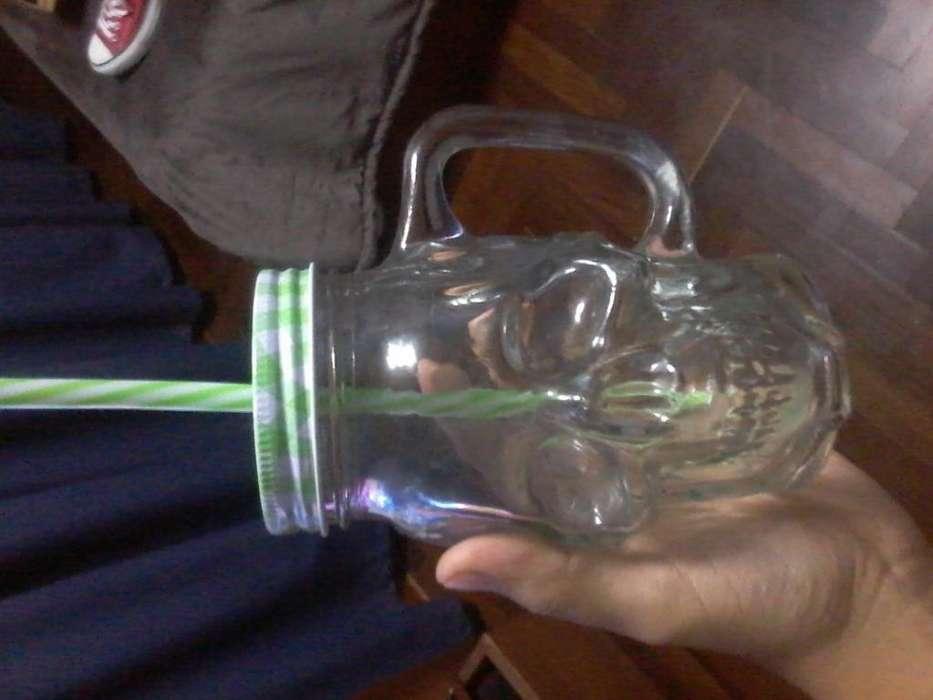 Taza con forma de cráneo calavera para jugos y otras bebidas , vasos, Tazas skull jar