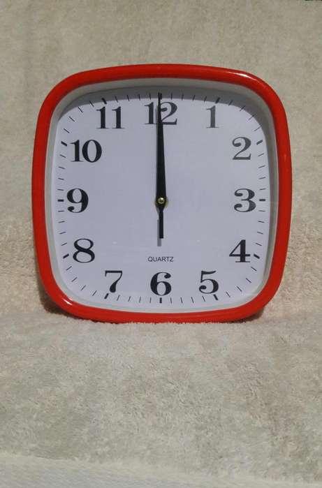 Reloj De Pared Cuadrado 3.50