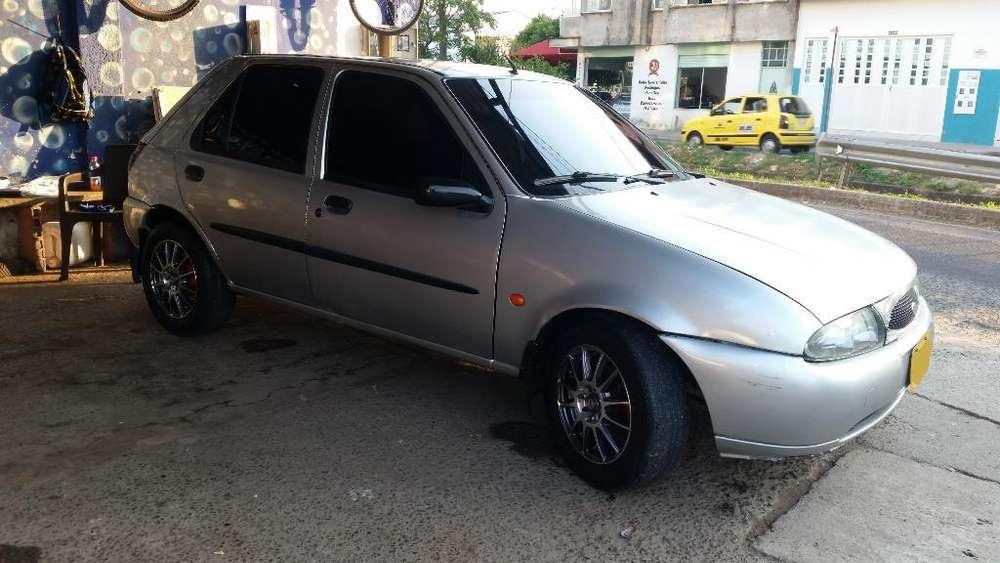Ford Fiesta  2000 - 11631 km