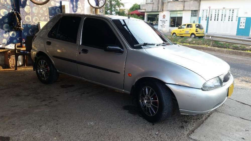 <strong>ford</strong> Fiesta  2000 - 11631 km
