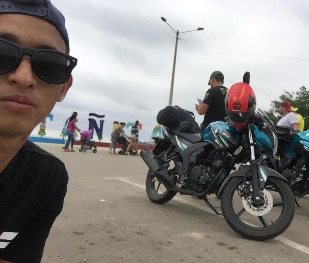 Busco Empleo Cuento con Moto Propia