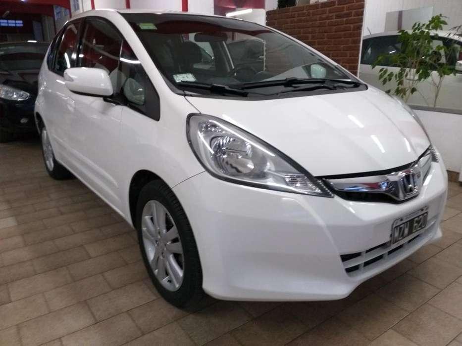 Honda Fit 2013 - 93000 km