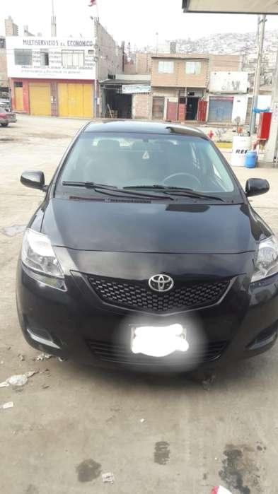 Toyota Yaris 2011 - 9500 km
