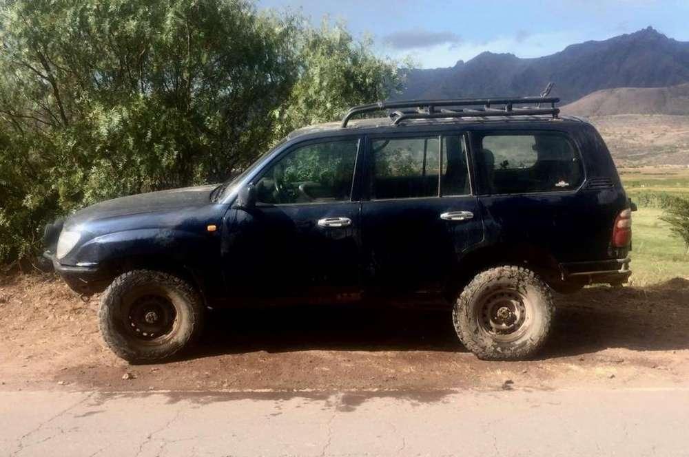 Toyota Land Cruiser 2000 - 176000 km