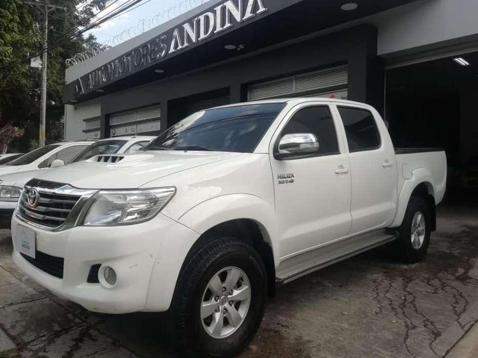 Toyota Hilux 2013 - 102000 km