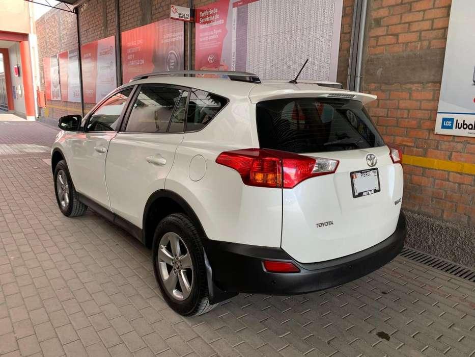 Toyota RAV4 2014 - 50000 km