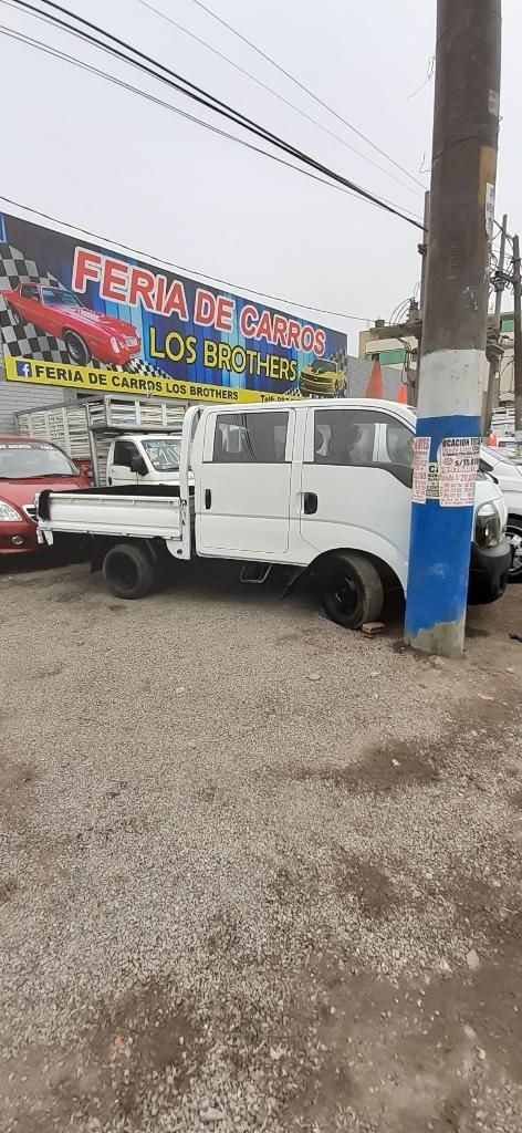 Kia K2700 Doble Cabina con Baranda