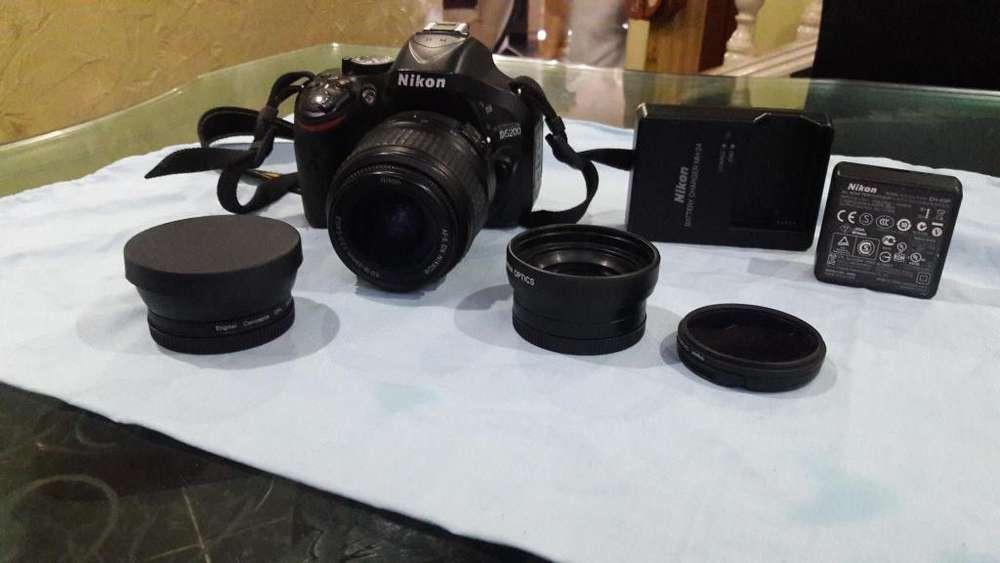 vendo camara Nikon D5200