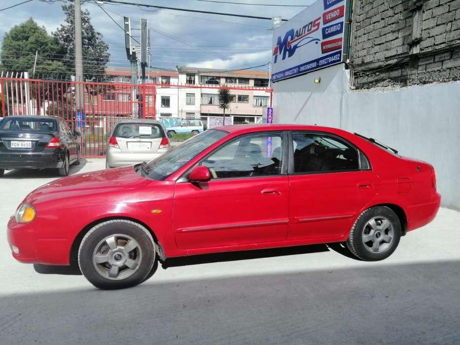 Kia Otro 2004 - 135000 km