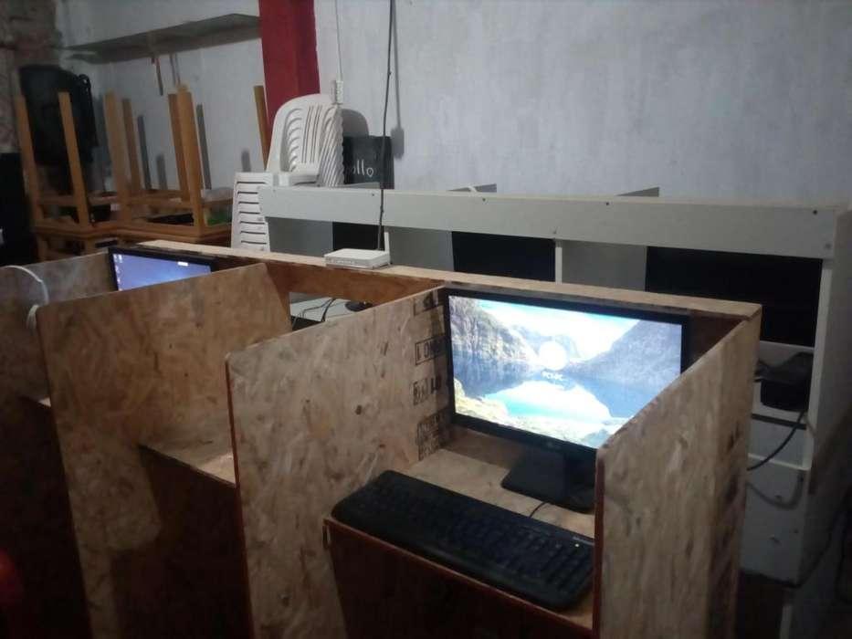 computadoras con mueble incluidos 2.