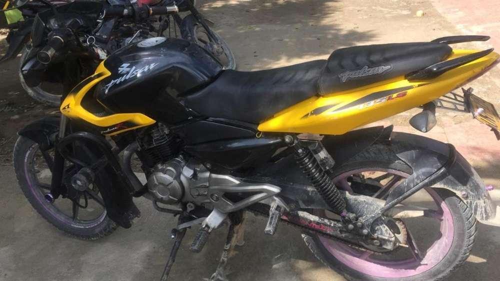 Vendo Moto Pulsar 135 Color Negra