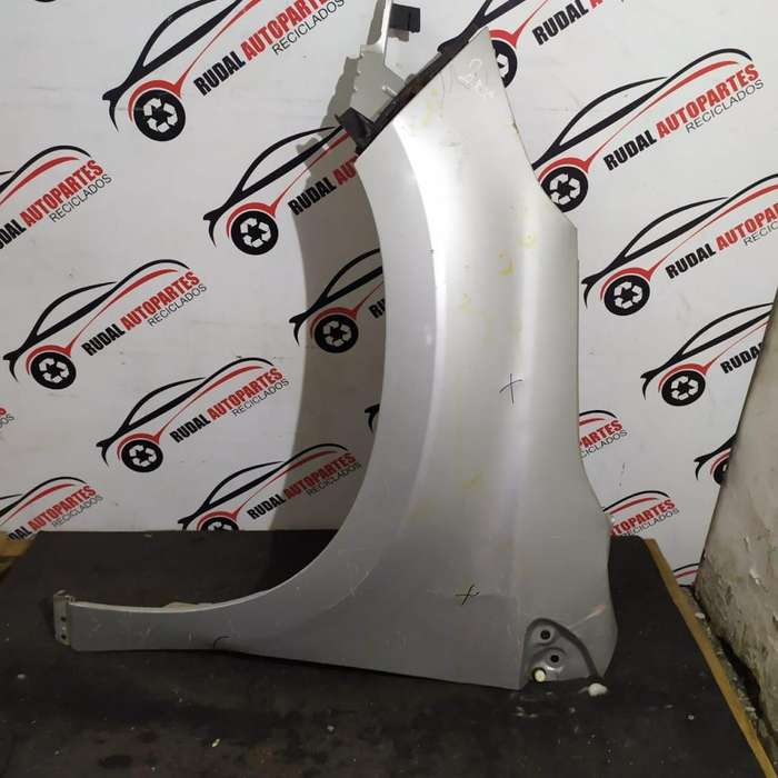 Guardabarro Delantero Izquierdo Peugeot 2008 6175 Oblea:02604564