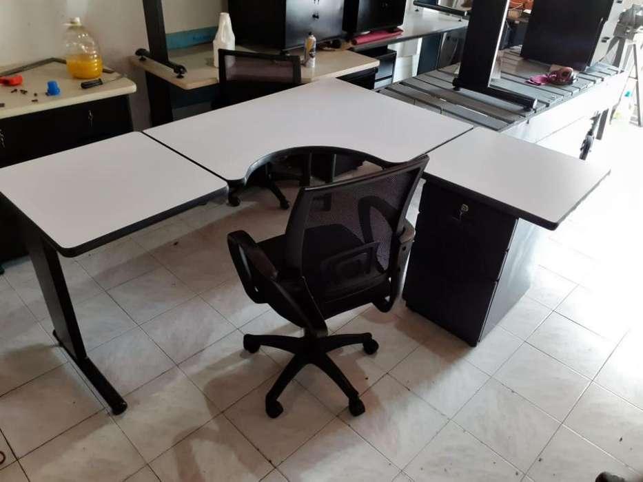 Vendo <strong>escritorio</strong> L con Silla