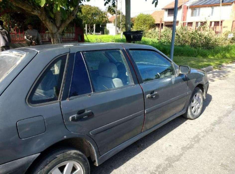 Volkswagen Gol 1998 - 100 km