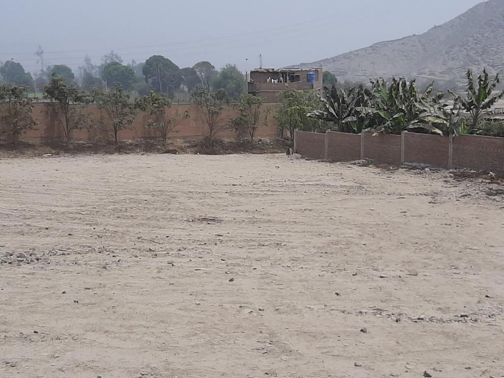 Terreno con dos frentes a calle de 340 m2 Carapongo