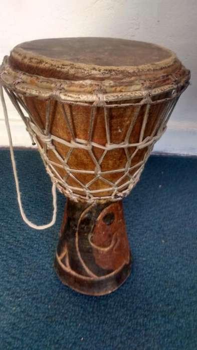Tambor africano djembe de Senegal