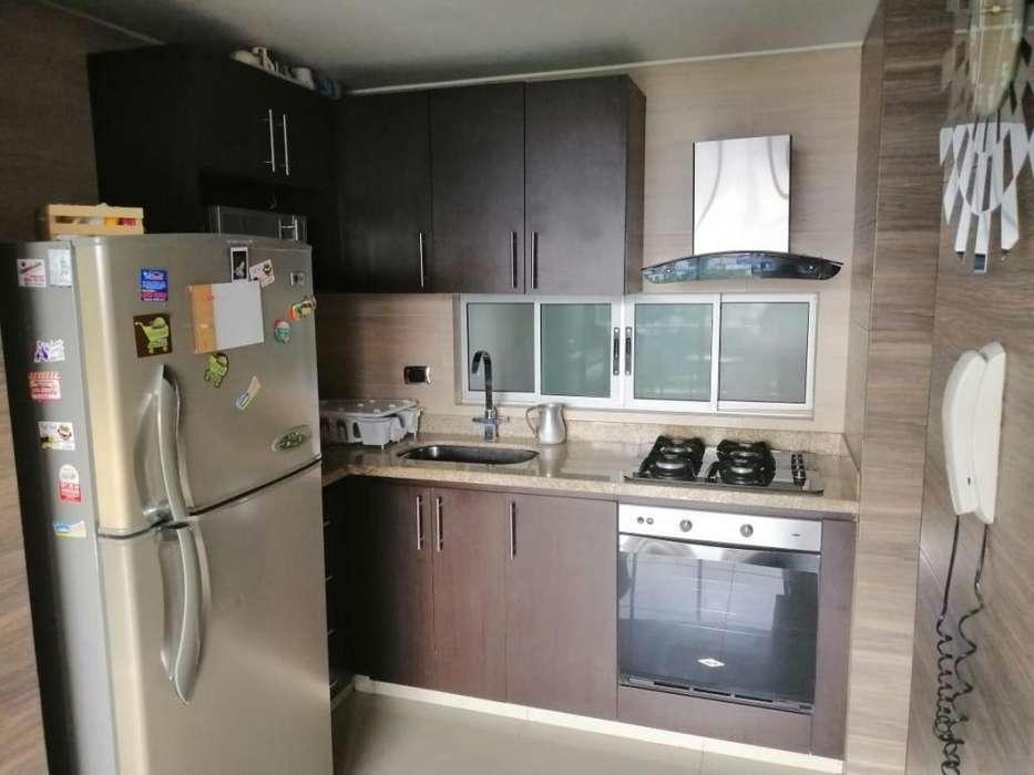 Alquilo apartamento amoblado con excelentes zonas sociales