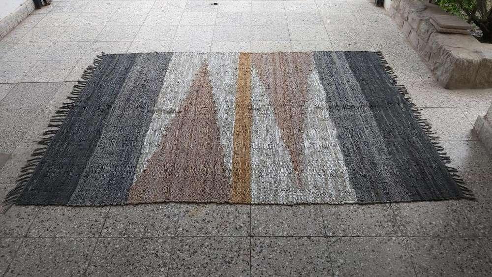 <strong>alfombra</strong> Carpeta Tiras Cuero