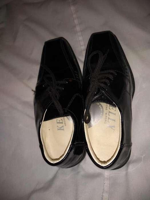 Zapatos de charol para nene